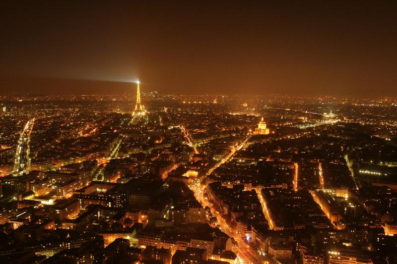 Poza-Zilei-10-Parisul-vazut-noaptea-zuf.ro_