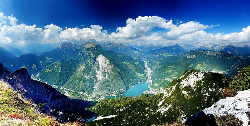 Poza-Zilei-7-Panoramica-de-pe-Monte-Civetta-Italia-zuf.ro_