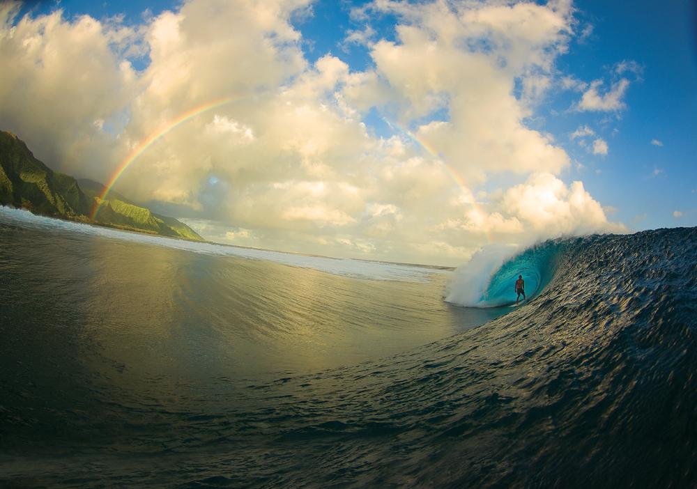 Poza-Zilei-p15-Surf-in-Tahiti-zuf.ro_