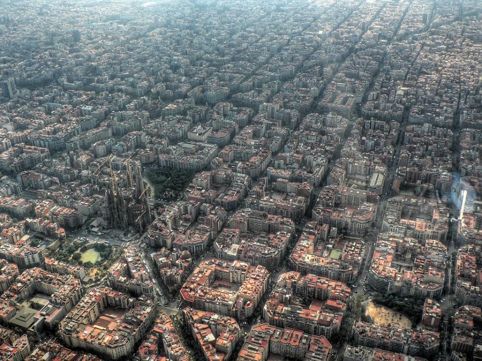 Poza-Zilei-17-Barcelona-vazuta-de-sus-ziua-zuf.ro_
