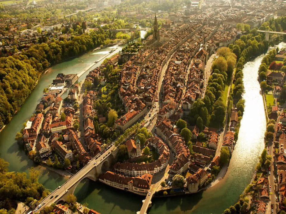 Poza-Zilei-19-Capitala-Elvetiei-Berna-vazuta-de-sus-zuf.ro_